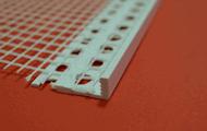 Listwy zakończeniowe PCV z siatką do wykonywania zakończenia tynku przy przejściach w elewacji